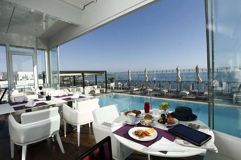 Top 15 des plus belles terrasses de tunis for Salon 9 places tunisie