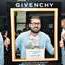 Gentlemen Only Casual Chic de Givenchy dans les soirées de Tunis