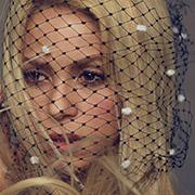 Shakira sublime sur la couverture du Harper Bazaar espagnol!