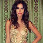 Leila ben khalifa sublime en or et transparence pour la fashion week