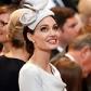 Angelina Jolie : Sublime à Londres, elle fait oublier l'absence de la reine